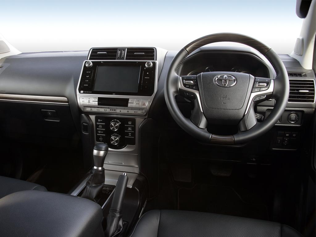 Toyota Land Cruiser 2.8 D-4D 204 Invincible 5dr Auto 7 Seats Sunroof